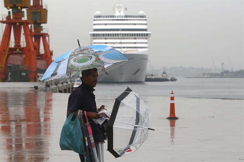 Rio receives with samba the first tourists in the new cruise season