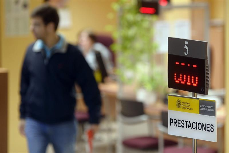 The EC asks Spain for more measures to reduce youth and long-term unemployment